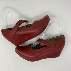 TSUBO Asmik Red Leather Mary Jane Wedges Size 7.5